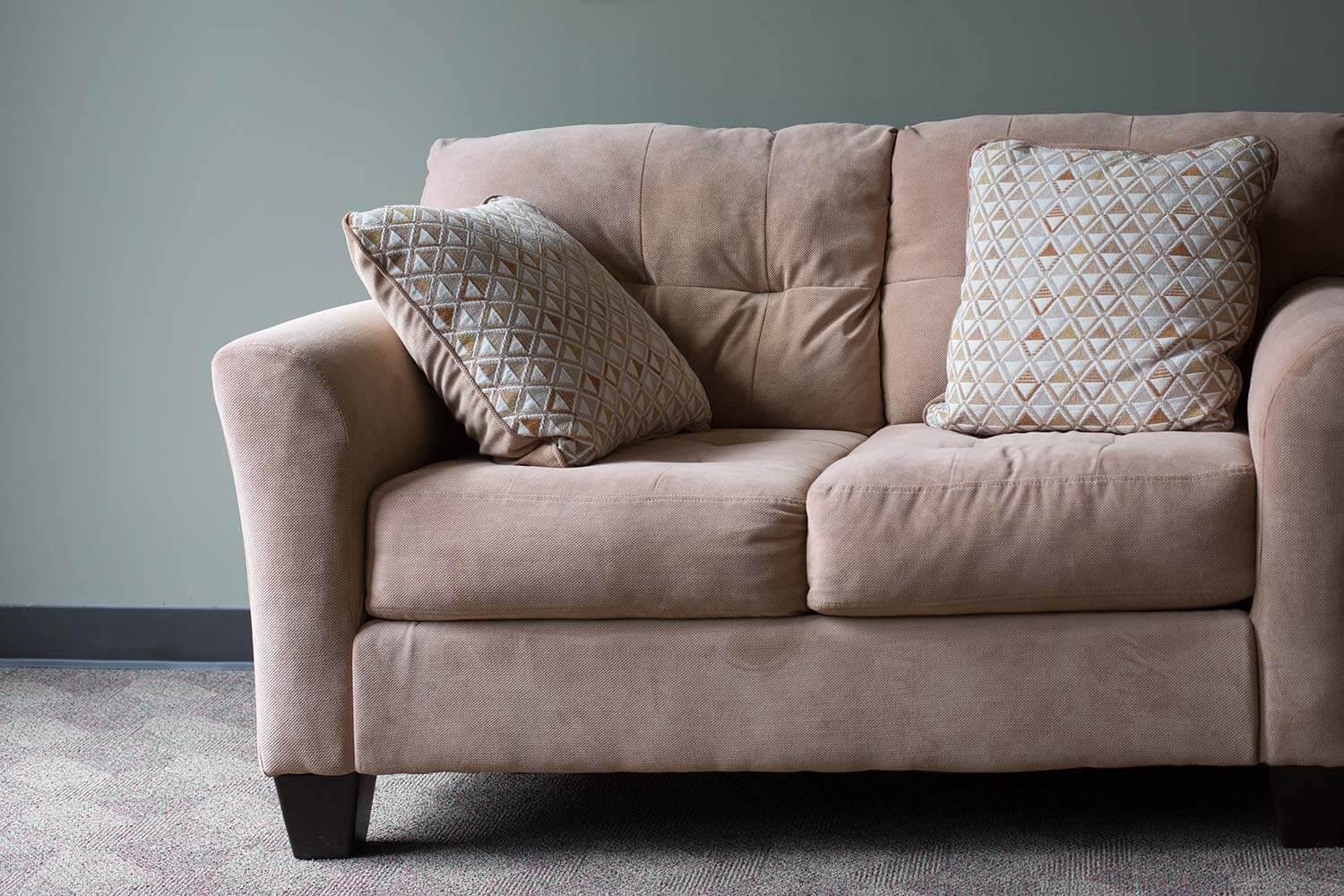 An upholstered couch that was cleaned by a Chem-Dry upholstery cleaner in yelm.